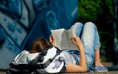 Assurer son bien-être et s'évader en lisant un bon livre